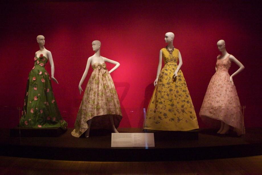 oscar-de-la-renta-dresses-celebrate-life-bill-clinton-library